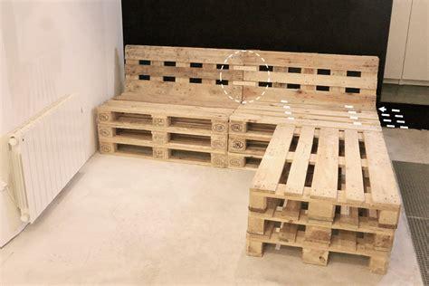 canapé avec palette bois fabriquer canapé d 39 angle en palette