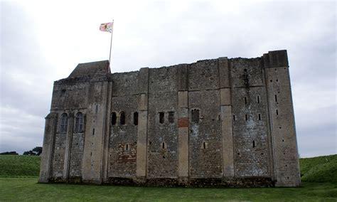 Castle Rising Castle, Norfolk Nen Gallery