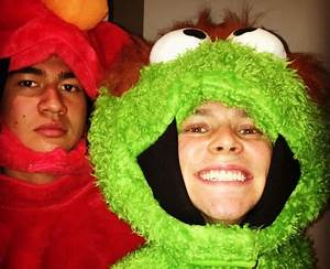 Calum Hood and Ashton Irwin as Elmo and Oscar The Grouch ...