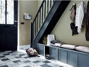 les 25 meilleures idees de la categorie casier vestiaire With comment tapisser un meuble 3 les 25 meilleures idees de la categorie escalier