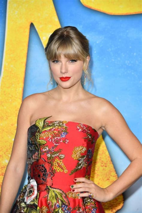 Pin by Anna Stella on TayTay in 2020 | Taylor swift web ...