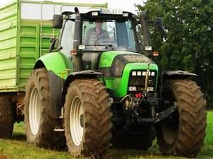 Traktor Mit Hänger : der traktor mit h nger das wichtigste begleitfahrzeug ~ Jslefanu.com Haus und Dekorationen
