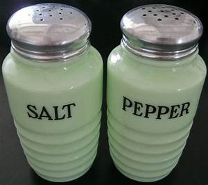 Milk And Pepper : 17 best images about milk glass salt pepper shakers on pinterest spanish miniature and ~ Orissabook.com Haus und Dekorationen