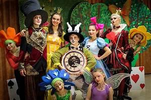 Tanztheater QuotAlice Im Wunderlandquot HERZOG Kultur