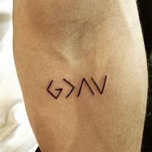 Tatouage Symbole Vie : tatouage discret symbole mod les et exemples ~ Melissatoandfro.com Idées de Décoration