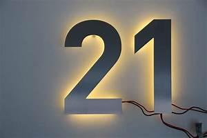 Hausnummer Mit Beleuchtung : hausnummer 21 aus edelstahl mit led beleuchtung ~ Eleganceandgraceweddings.com Haus und Dekorationen