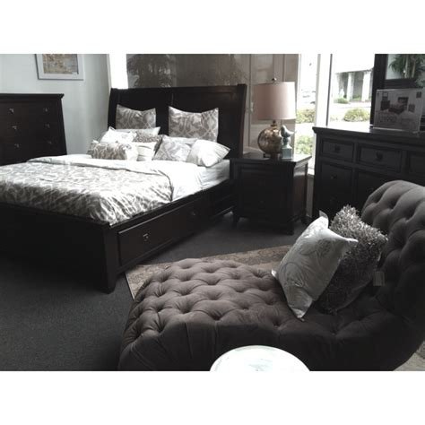 jerome s furniture bedroom sets 1000 images about master suites bedrooms on