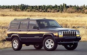 Jeep Cherokee Xj Service  U0026 Repair Manual 1997  1999  2000