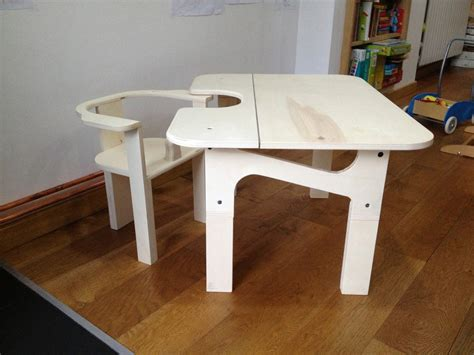 table chaise enfants table et chaise enfant par tetart sur l 39 air du bois