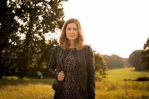 Kleid Mit Stiefeletten : outfit kleid mit lederjacke stiefeletten giveaway ~ Frokenaadalensverden.com Haus und Dekorationen