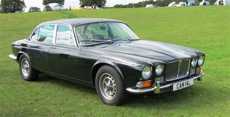 Jaguar XJ12 technical details, history, photos on Better ...