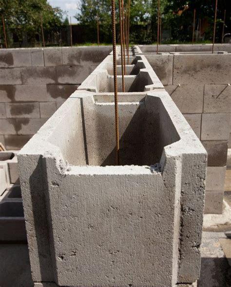 Wieviel Steine Für Garage by Eine St 252 Tzmauer Aus Schalsteinen Ist Kosteng 252 Nstig Und
