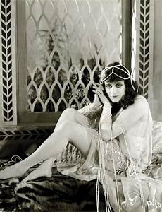 Theda Bara : Muses, Cinematic Women | The Red List