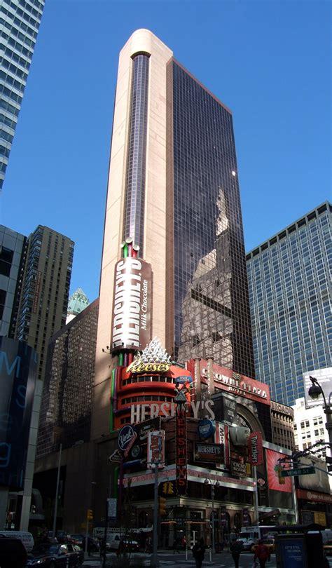 crowne plaza  york  skyscraper center