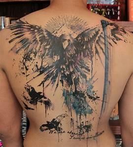 Tatouage Oiseau Homme : 10 idees de tatouage sur le dos ~ Melissatoandfro.com Idées de Décoration