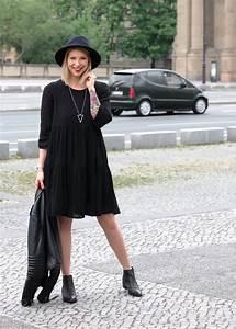 Kleid Mit Jeansjacke : outfit all in black schwarzes kleid about you chelsea boots selected femme lederjacke hut ~ Frokenaadalensverden.com Haus und Dekorationen