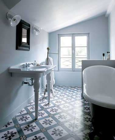 cuisine intemporelle les carreaux de ciment subliment la déco de la salle de bain