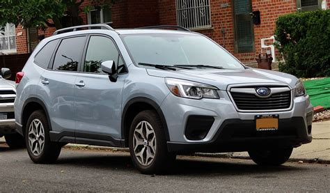 Add destination charges of $1,050, and the figure is $25,845. Subaru Forester - Wikipédia, a enciclopédia livre
