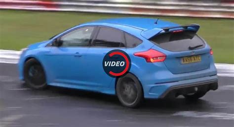 Drift Ford Focus by Ford Focus Rs Filmed Drifting Again And Again On The Ring