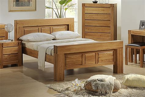 Bedroom Furniture Oak by Soild Oak Bedroom Furniture Set Homegenies
