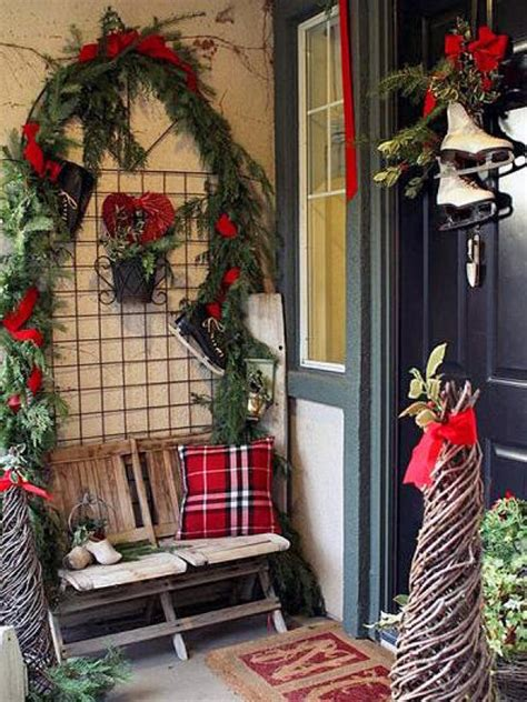 unique holiday door decor 10 door decorations diy