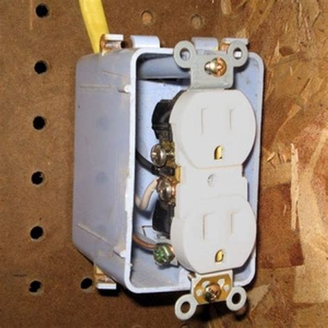How Add Electrical Outlet From Existing Light