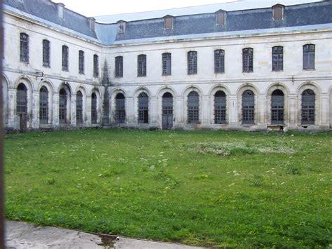 maison centrale de clairvaux la maison centrale de clairvaux de l abbaye cistercienne 224 la prison quelle mise en valeur