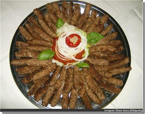 cuisine serbe cevapcici un incontournable dans la cuisine des balkans