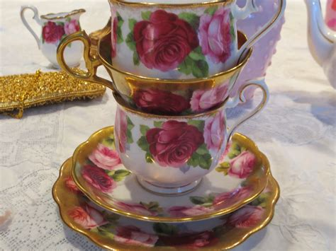 The coffee break rose is an elegant terracotta color with brown and orange tones. An Old English Rose Coffee Break   Coffee break, Old ...
