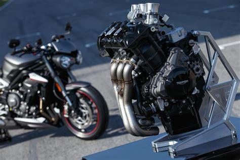 motor triumph moto
