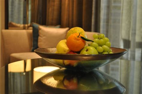 glass fruit bowls  park hyatt abu dhabi