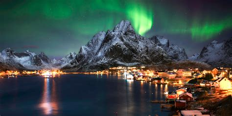 norway march northern lights where when to see the northern lights travelzoo uk