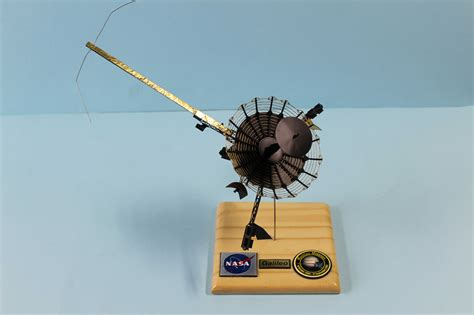 Galileo Spacecraft Model - Pics about space