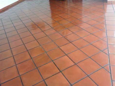 foto pulido en piso de barro de zerma lim