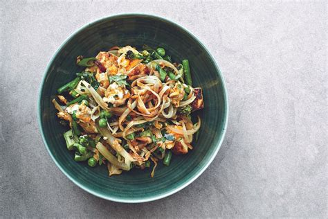 gwyneth paltrows singapore rice noodles recipes