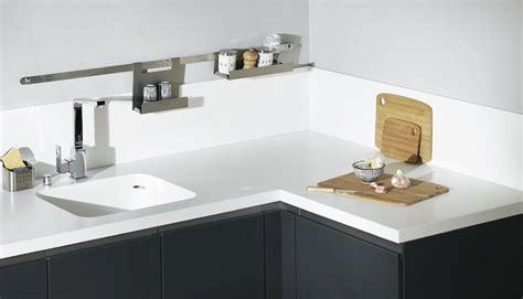 resine cuisine resine plan de travail cuisine bois cuisine idées de