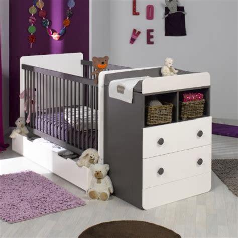 chambre bébé blanc et taupe lit bebe evolutif avec tiroir blanc taupe 70x140