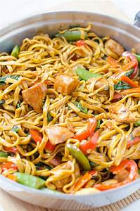 Chicken Lo Mein – Homemade Takeout Style!