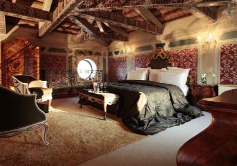 femme de chambre bordeaux décoration chambre adulte romantique 28 idées inspirantes