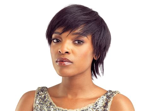 Short Weave Hairstyles Based On The Season's Latest Hair
