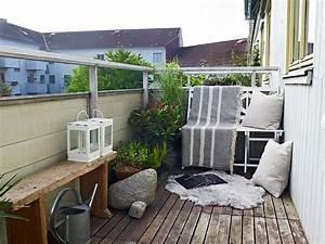 Balkongestaltung Kleiner Balkon : balkon ~ Orissabook.com Haus und Dekorationen