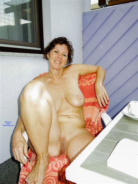 Sexy Mature Slut October Voyeur Web