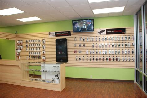 cell phone shop mobile phone store interior design with display cabinet