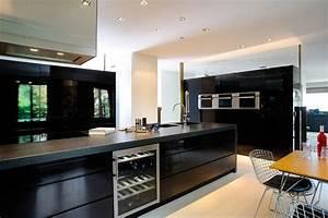 Meuble Cuisine Design : meuble design lyon mobilier haut de gamme cuisine luxe ameublement ~ Teatrodelosmanantiales.com Idées de Décoration