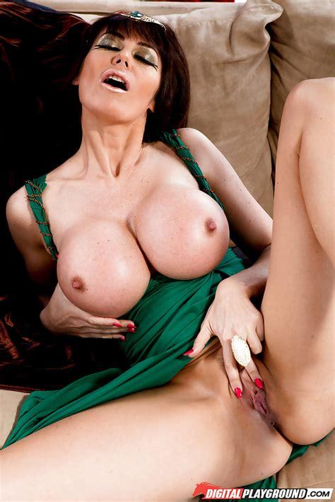 Masturbating Scene Features A Big Tits Mature Babe Eva