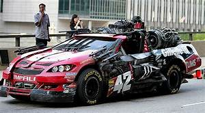 Interesting Facts: Cars Used in Filming Transformers 3 ...