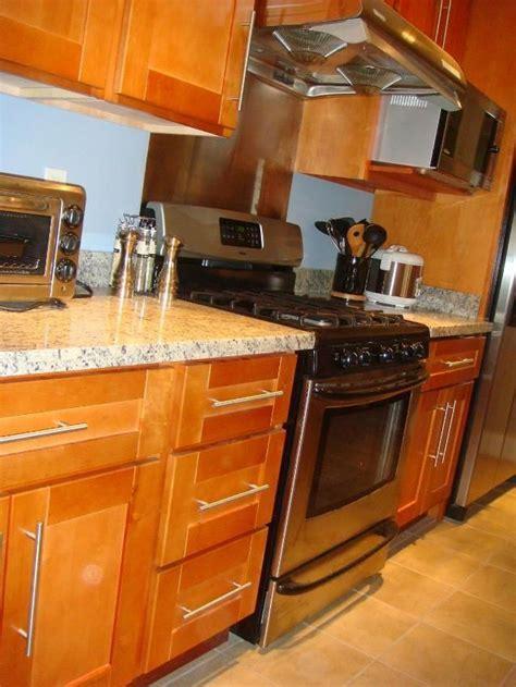 honey colored kitchen cabinets   RTA Cabinet Broker   1R