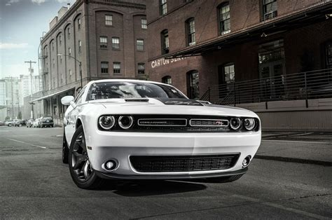 2016 Dodge Challenger, Charger Srt And Hellcat Go Mango