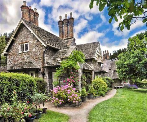 Modern Home Design And Decor