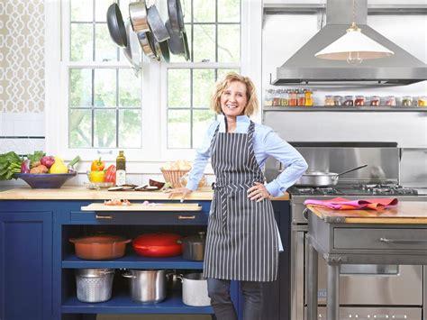 bistro kitchen design a bistro style kitchen remodel hgtv 3590
